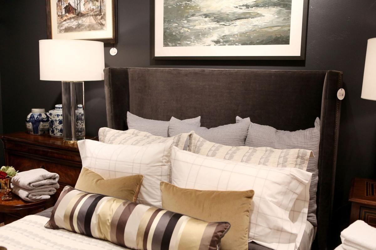 Solid Wood Bedroom Set Luxury A Warm Room for Sleeping Cool