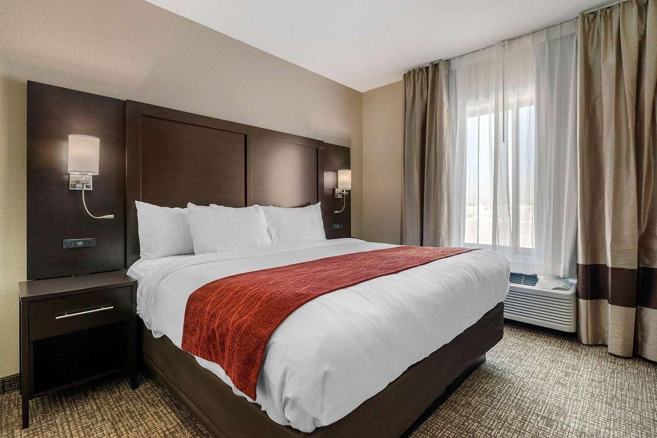 Tv Media Chest Bedroom Elegant fort Inn & Suites Cedar Rapids Cid Eastern Iowa Airport