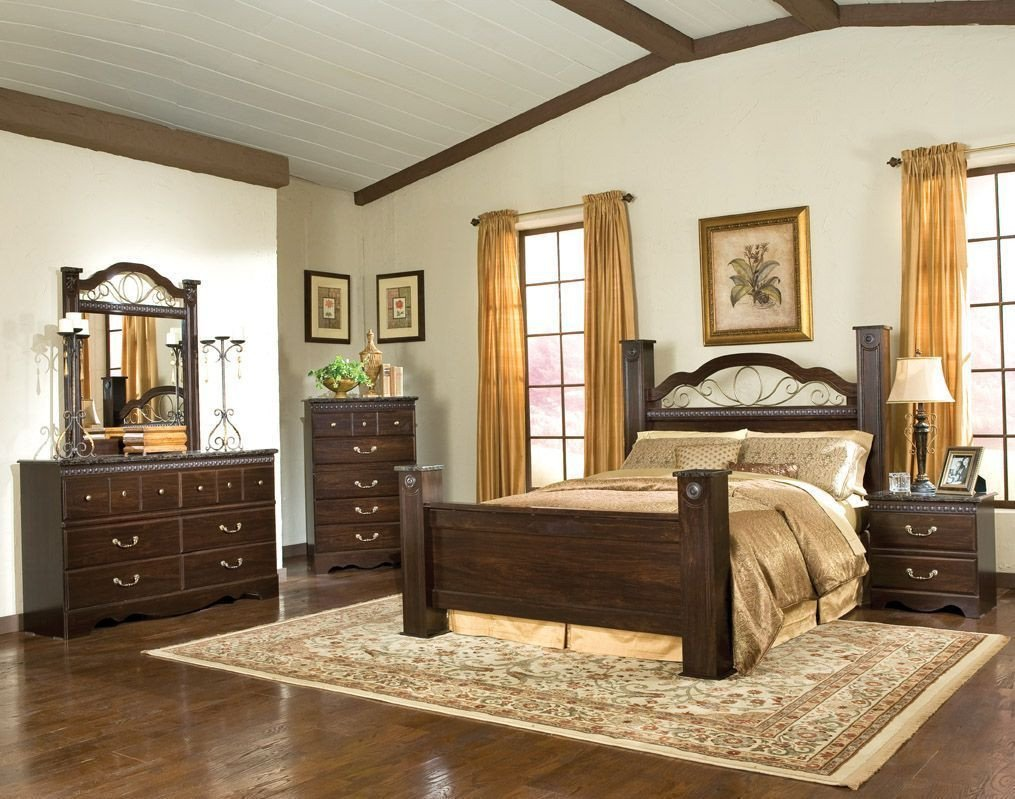 Used King Bedroom Set New sorrento Queen Poster Bed 4002 B