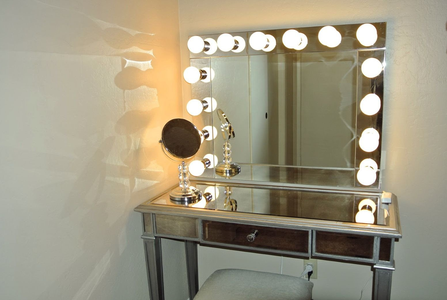Vanity Mirror with Light for Bedroom Fresh Vanity Girl Hollywood Mirror Silver