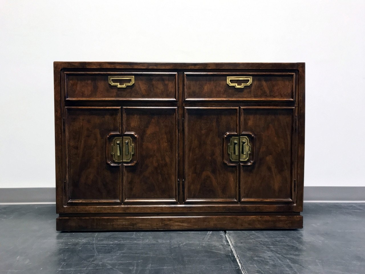 Vintage Thomasville Bedroom Furniture Awesome sold Out Thomasville Mystique asian Chinoiserie Buffet Sideboard Credenza