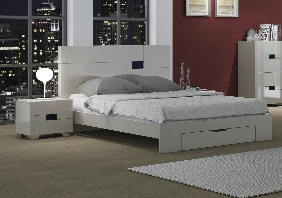 White Lacquer Bedroom Set Awesome Contemporary Light Gray Lacquer Storage Queen Bedroom Set