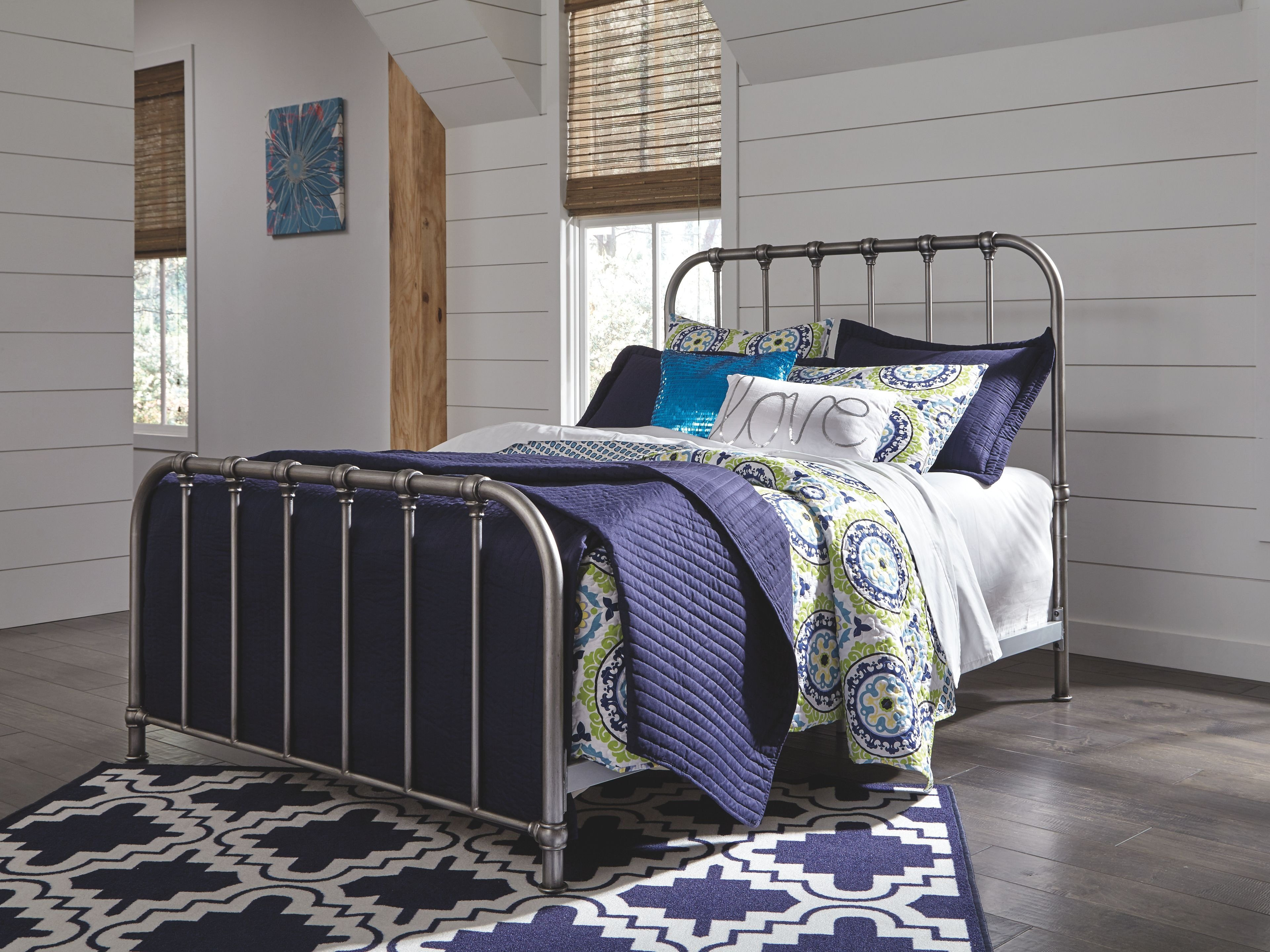 Wrought Iron Bedroom Set Elegant Signature Design by ashley Bedroom Nashburg Queen Metal Bed